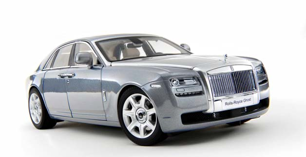 Rolls Royce Ghost (2010) Kyosho 1/18 Gris Plata