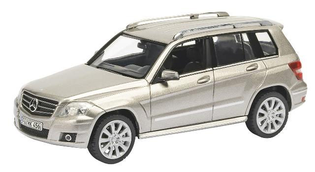 Mercedes Benz GLK (2009) Schuco 1/43 Gris Plata Sport