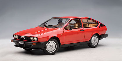 Alfa Romeo Alfetta GTV 2.0 (1980) Autoart 1/18 Rojo