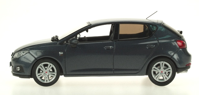 Seat Ibiza 5p. Serie IV (2008) Ixo 1/43 Gris Oscuro Metalizado