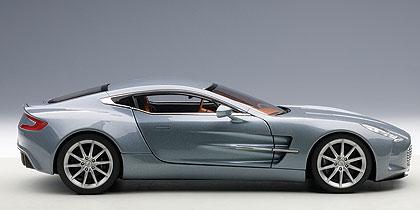 Aston Martin ONE-77 (2009) Autoart 1:18 Azul Villa D'Este