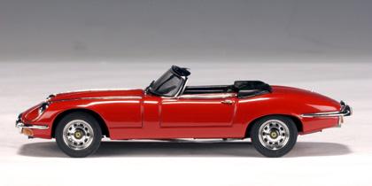 Jaguar E-Type Roadster V12 Serie III (1971) Autoart 1/43 Rojo