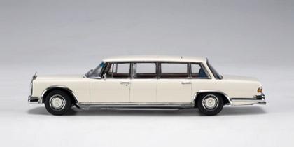 Mercedes 600 LWB -W100- (1964) Autoart 1/43 Blanco