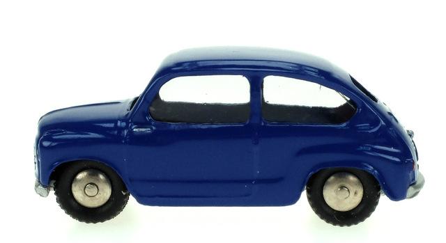 Fiat 600 (1955) Scott 1/50 Azul Oscuro