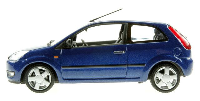 Ford Fiesta 3p. serie V (2002) Minichamps 1/43 Azul Oscuro Metalizado