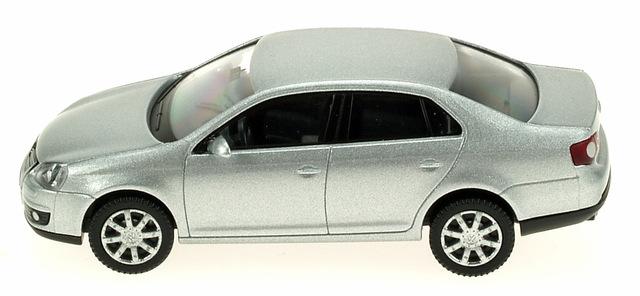 Volkswagen Jetta serie V (2005) Wiking 1/87 Gris Metalizado