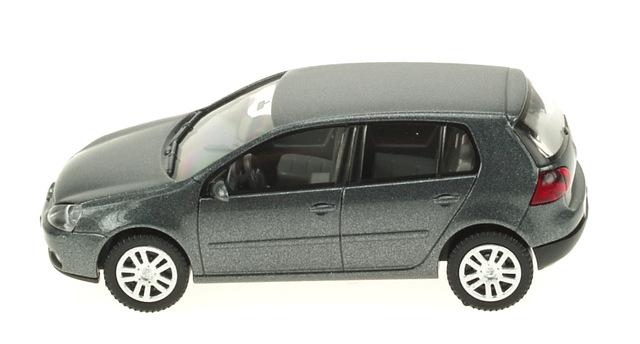 Volkswagen Golf 5p. Serie V (2003) Wiking 1/87 Gris Oscuro Metalizado