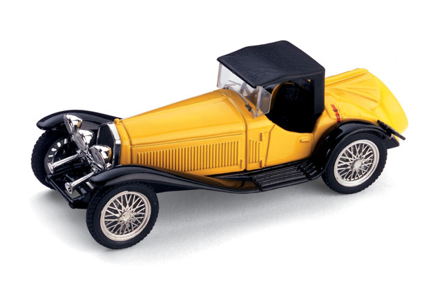 Alfa Romeo 2300 Cabriolet Cerrado (1931) Brumm 1/43 Amarillo - Negro Capota Cerrada