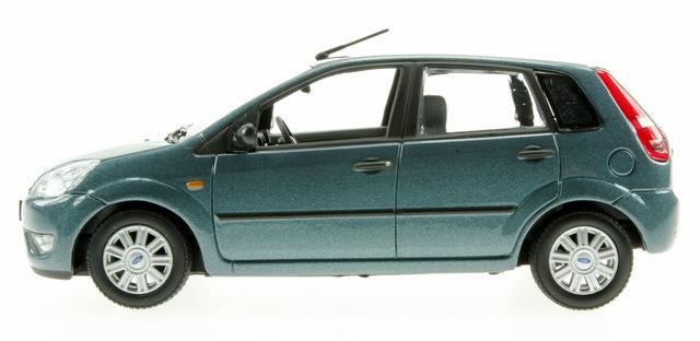 Ford Fiesta 5p. serie V (2002) Minichamps 1/43 Azul Metalizado