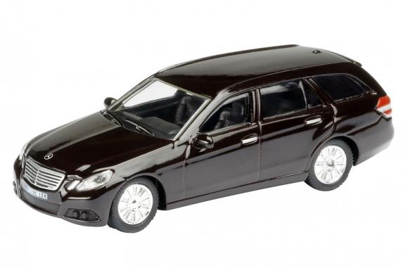 Mercedes Benz Clase E Estate -S212- (2009) Schuco 1/87 Marrón Oscuro
