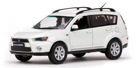 Mitsubishi New Outlander (2011) Vitesse 1/43 Blanco