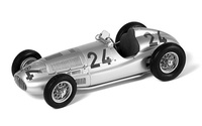 Mercedes (1939) W165