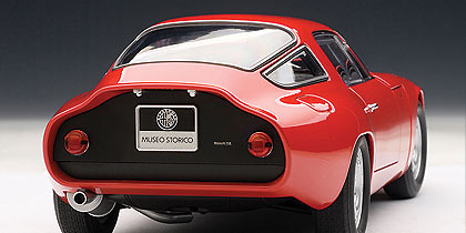 Alfa Romeo Giulia TZ (1963) Autoart 70196 1/18