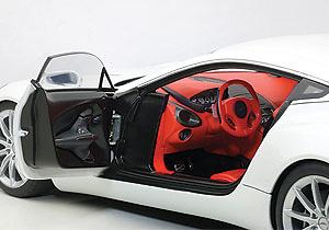 Aston Martin ONE-77 (2009) Autoart 70244 1:18