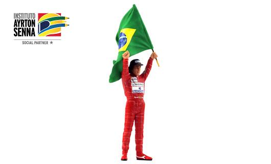 Ayrton Senna Figura tipo IV con Bandera Brasileña (1991) True Scale TSM12AC16 1/18