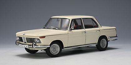 bmw 1800 tisa neue klasse 1965 autoart 70623 1 18. Black Bedroom Furniture Sets. Home Design Ideas