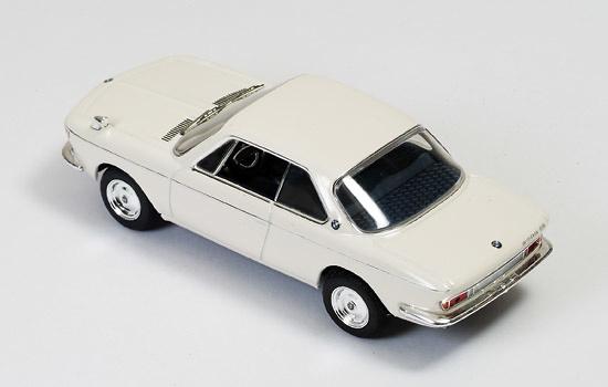 BMW 2000 CS (1966) Ixo CLC257 1:43