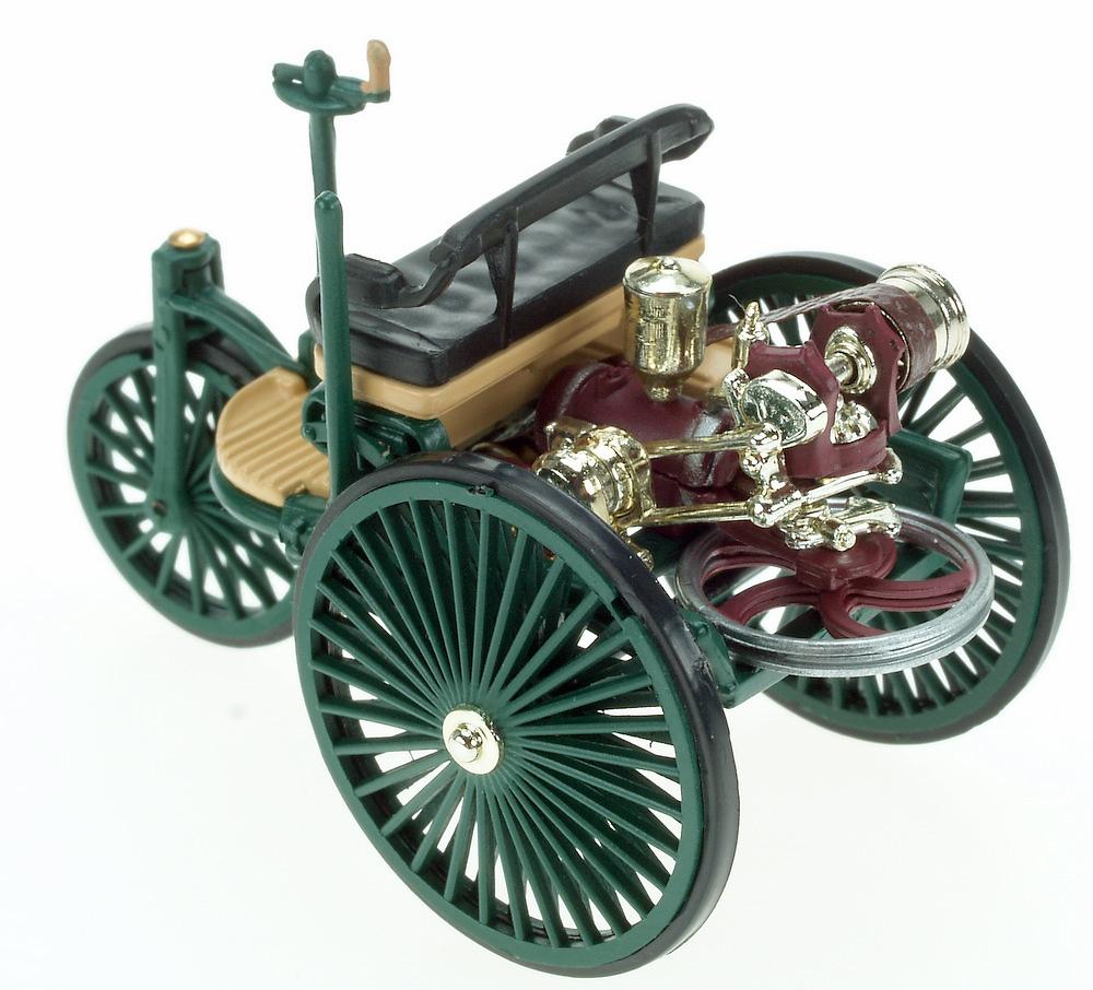 Benz Patent Motorwagen (1886) White Box WB0017 1/43