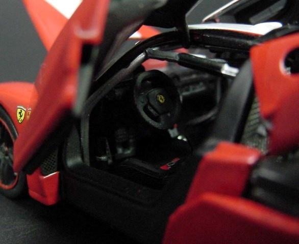 Ferrari FXX (2005) Kyosho 04111R 1/43