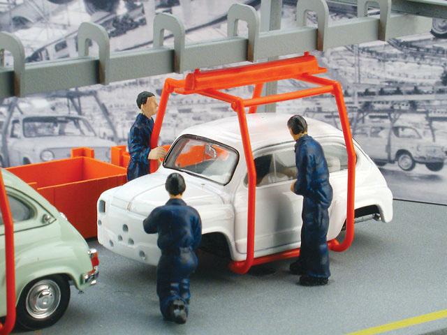 Fiat 600 x2 y cadena de Montaje (1964) Brumm AS39 1/43