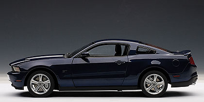 Ford Mustang GT (2010) Autoart 72912 1/18