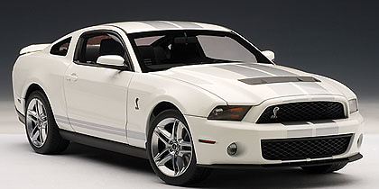 Ford Mustang Shelby GT500 (2010) Autoart 72917 1/18