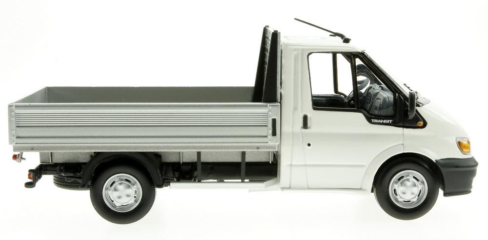 Ford Transit con Caja (2000) Minichamps 430089000 1/43
