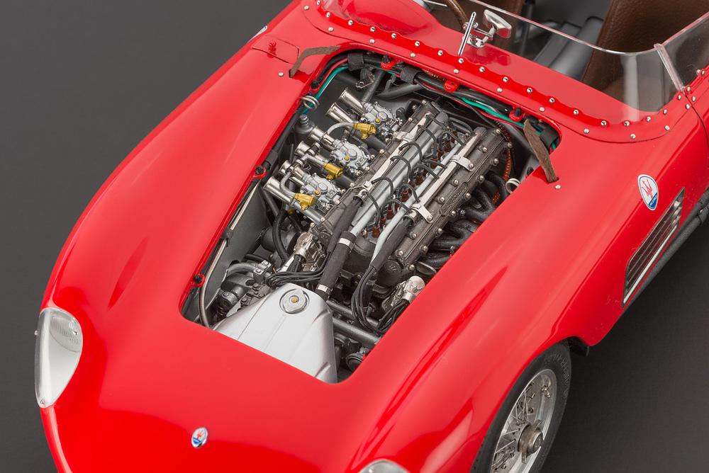 Maserati 300S (1956) CMC M105 1:18