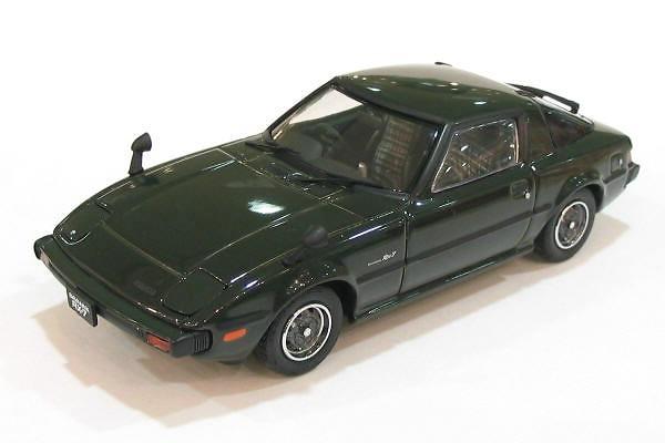 Mazda RX7 GT Savanna (1978) Ebbro 43587 1/43