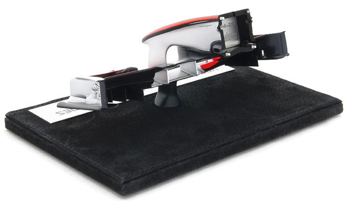 Mclaren MP4/25 Frontal del Monoplaza Nº 1 Jenson Button (2010) Amalgam M5365 1/12
