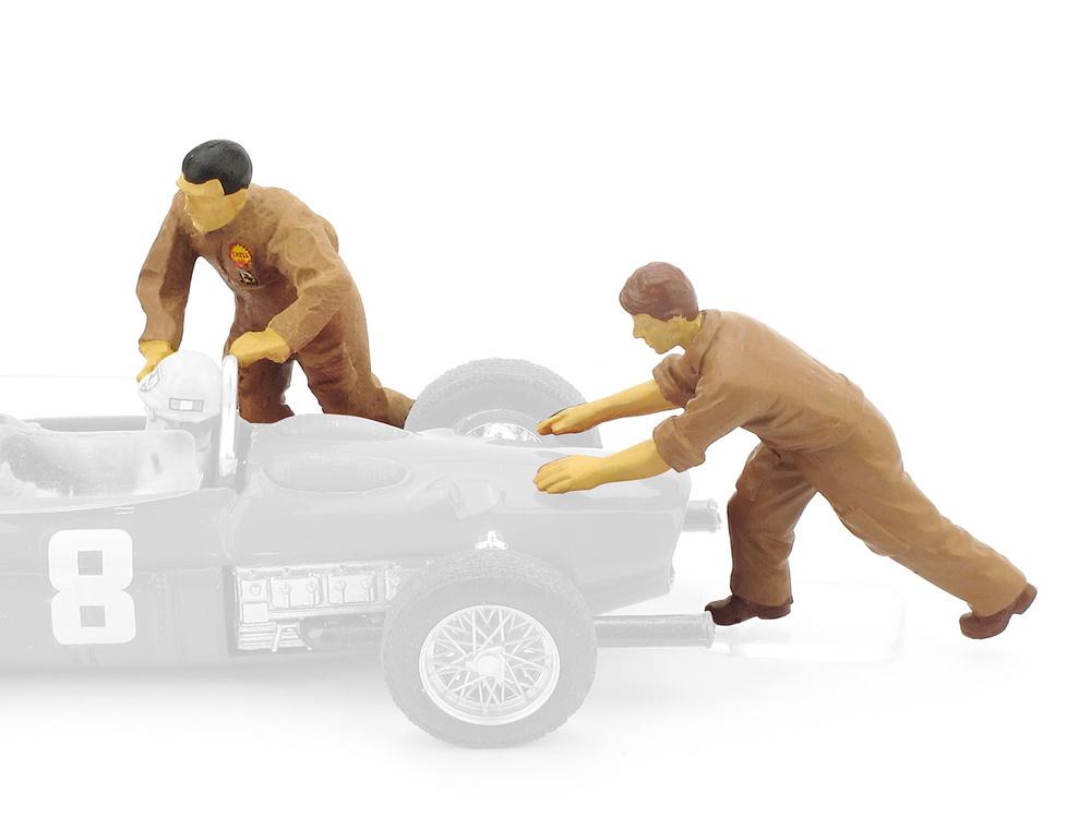 Mecánicos empujando Ferrari F156 (1961) Brumm F075 1/43