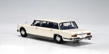 Mercedes 600 LWB -W100- (1964) Autoart 56198 1/43