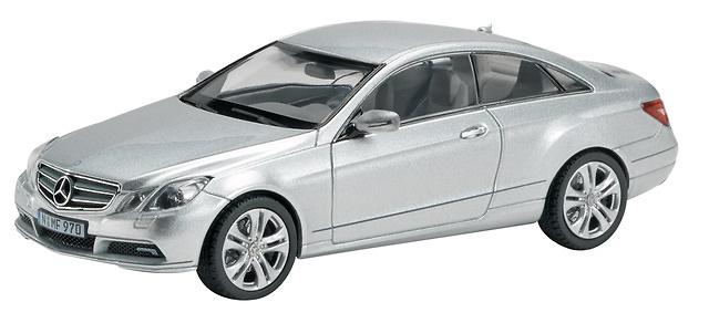 Mercedes Benz Clase E Coupé -C207- (2009) Schuco 450736100 1/43
