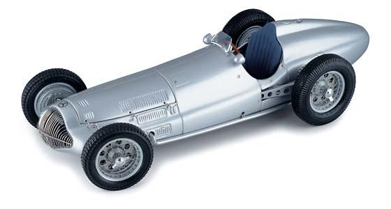 Mercedes Benz -W154- Flecha de Plata (1938) CMC M-025 1/18