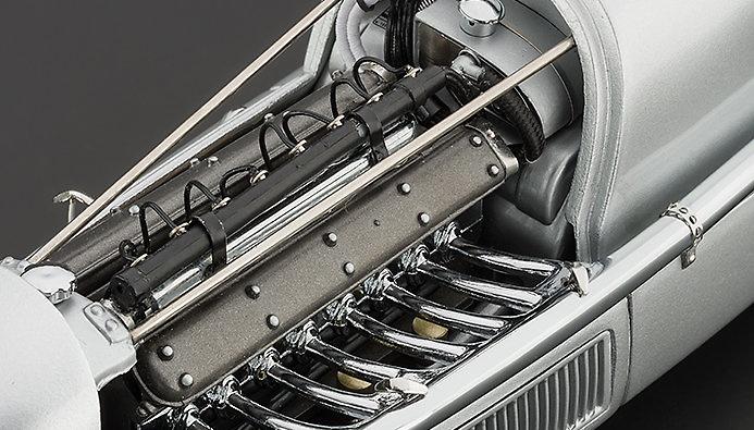 Mercedes Benz W25 Eifelrennen nº 20 M. v. Brauchitsch (1934) CMC M103 1/18