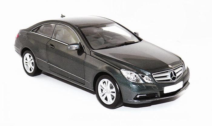 Mercedes Benz Clase E Coupé -C207- (2009) Norev 183540 1/18
