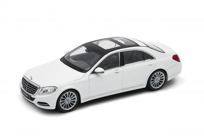 Mercedes Clase S -W222- (2013) Welly 24051 1:24