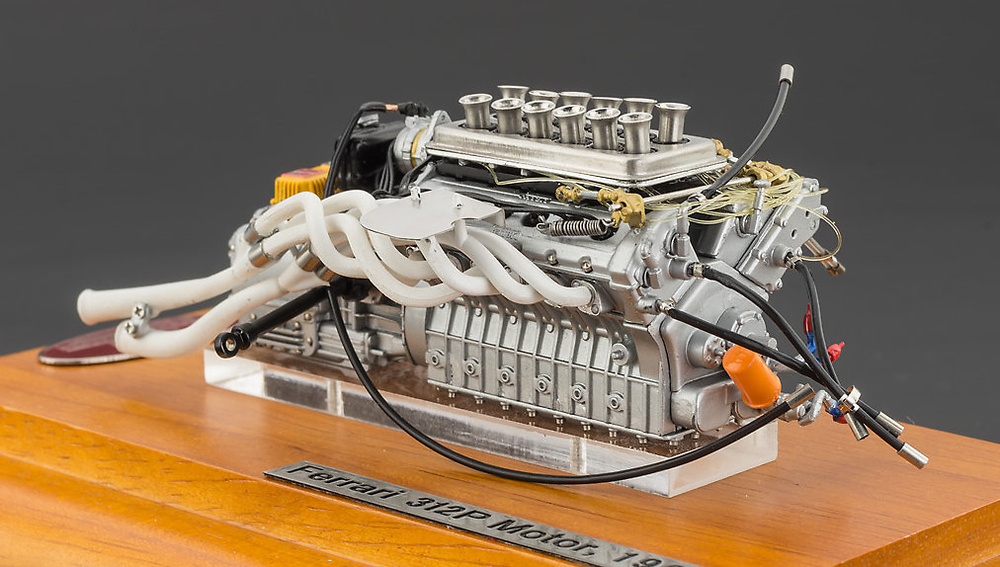 Motor Ferrari 312P (1969) CMC M121 1:18