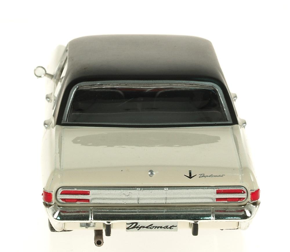 Opel Diplomat V8 (1964) Ixo 1/43 Eaglemoos Publications