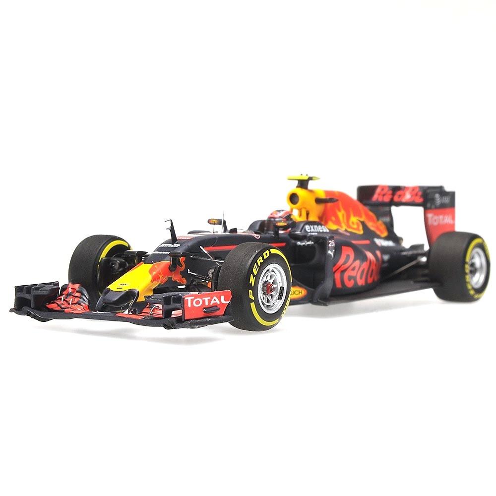 Red Bull RB12 nº 26 Daniil Kvyat (2016) Minichamps 417160026 1:43