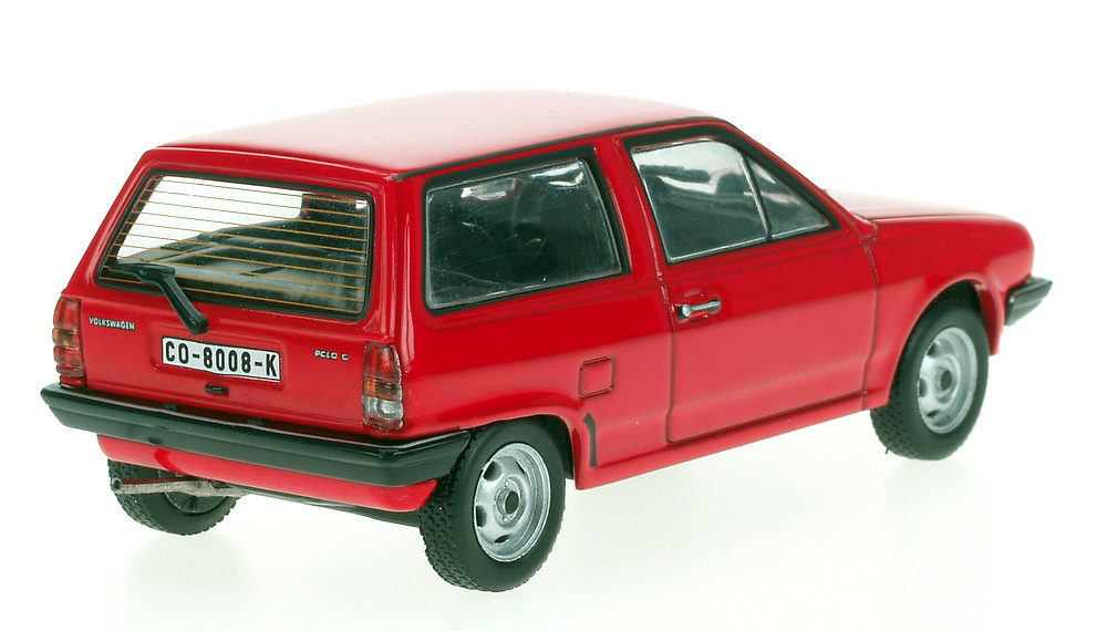 Volkswagen Polo Serie II (1981) White Box 151697 1/43