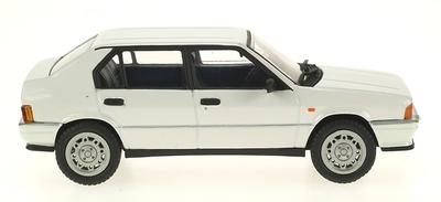 Alfa Romeo 33 QV Serie I (1983) Pego 1/43