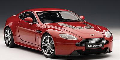 Aston Martin V12 Vantage (2010) Autoart 1/18