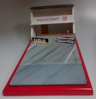 Diorama Boxes años 60 y 70 Maserati Microworld 1:43