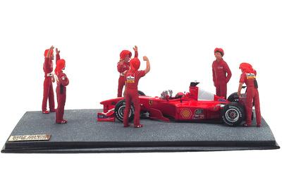 """Diorama Ferrari F1-2000 """"GP. Malasia"""" nº 3 Michael Schumacher con figuras (2000) Microworld 1:43"""