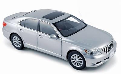 Lexus LS460 (2010) Norev 188109 1/18