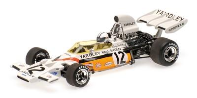 """McLaren M19A """"1º GP. Sudáfrica"""" nº 12 Denny Hulme (1972) Minichamps 1:43"""