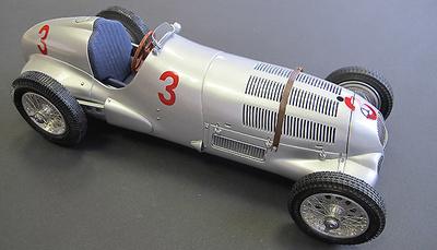 """Mercedes Benz W125 """"GP Donington"""" nº 3 von Brauchitsch (1937) CMC 1:18"""
