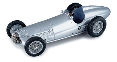Mercedes Benz -W154- Flecha de Plata (1938) CMC 1/18