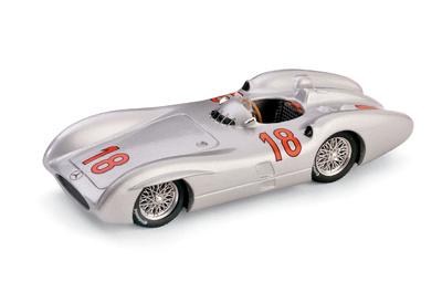 """Mercedes Benz W196C """"GP. Francia"""" nº 18 Juan Manuel Fangio (1954) Brumm 1/43"""